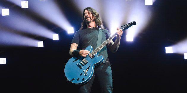 Dave Grohl con Foo Fighters en un concierto en en febrero de 2018 en