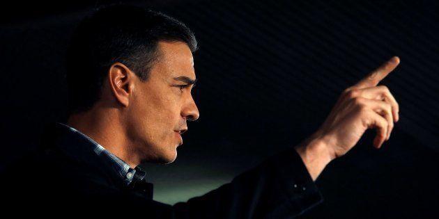 Sánchez participa en acto del PSC en Barcelona para arropar al candidato a la alcaldía de Barcelona,...