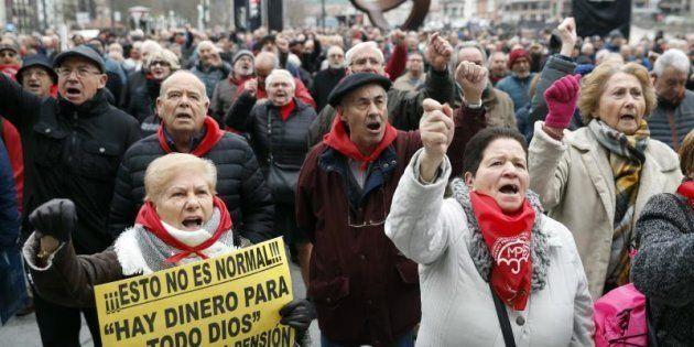 Los pensionistas vascos se manifiestan en Bilbao por unas pensiones