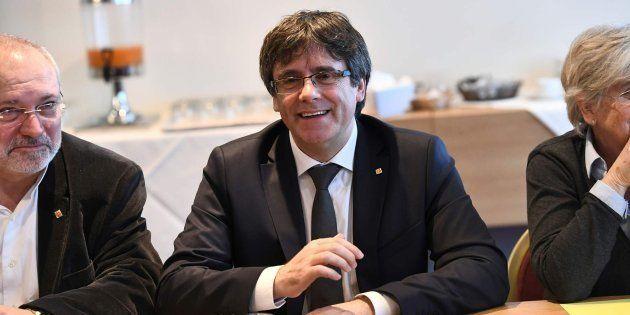 El Gobierno estudia recurrir al TC la reforma para investir a Puigdemont a