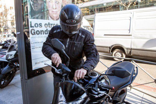 El que fuera chófer de Luis Bárcenas, Sergio Ríos, a salida de la Audiencia Nacional tras declarar hoy...