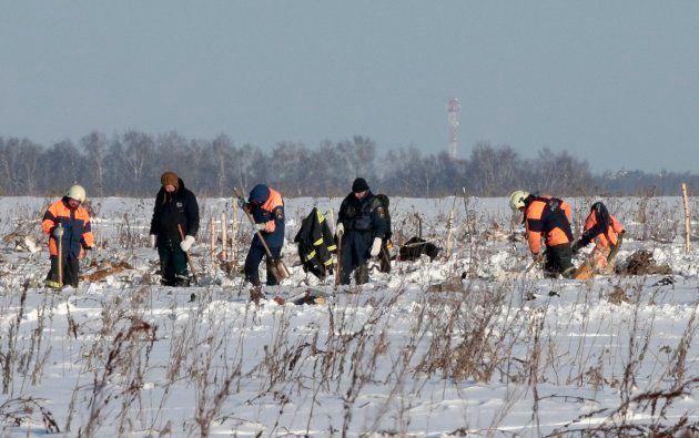 Mueren 71 personas al estrellarse un avión a las afueras de