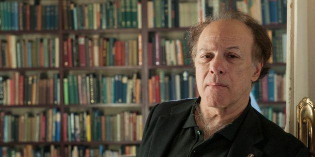 Fuertes críticas a Javier Marías por un artículo en el que critica el movimiento contra el acoso sexual