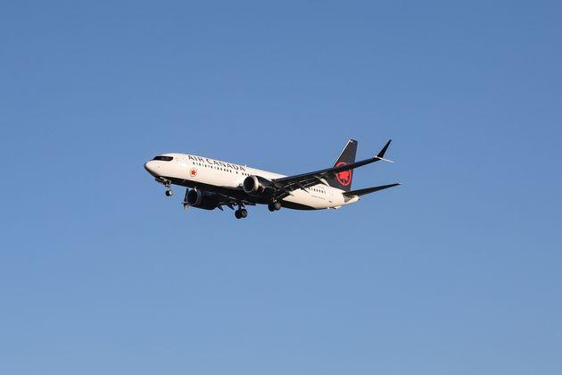 Les Boeing 737 Max 8 et 9 interdits de survol et d'atterrissage en