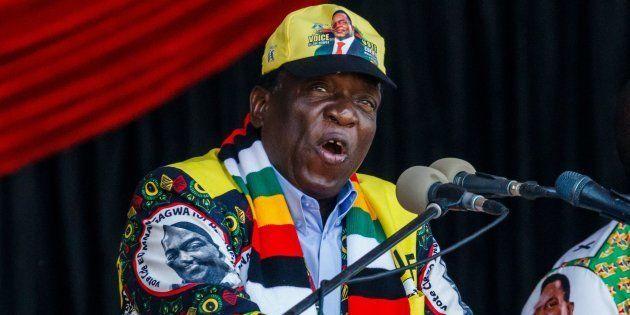 Emmerson Mnangagwa, el actual presidente, en un acto de