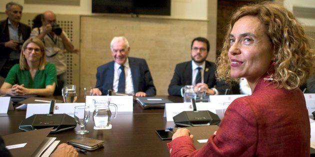 La ministra de Política Territorial, Meritxell Batet; la consellera de la Presidencia, Elsa Artadi; el...