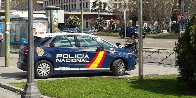 Un coche de Policía Nacional en