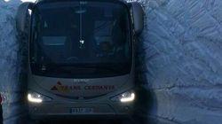 El vídeo viral de un bus que se abre paso ante un muro de nieve en