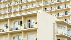 Un turista británico, grave tras caerse mientras defecaba desde un sexto piso de un hotel en