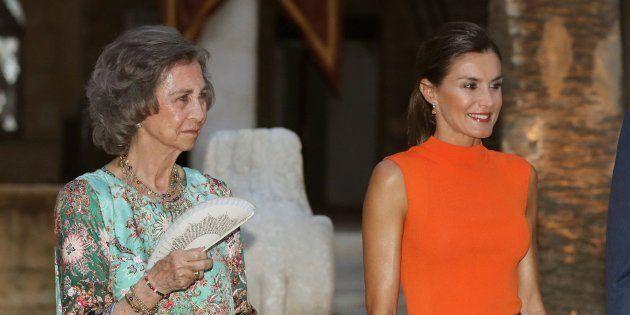 El colorido posado de la reina Letizia en la polémica recepción en el Palacio de la