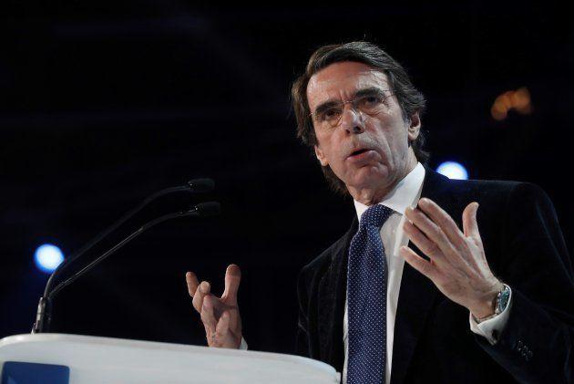 Aznar regresa por todo lo alto al PP: pide el voto para Casado y abrir la