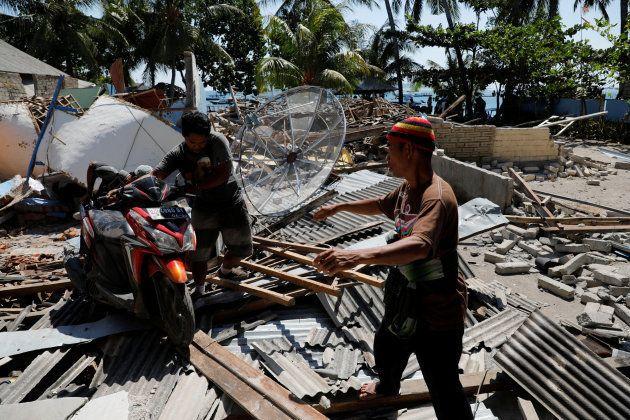 Ascienden a 436 los muertos por el terremoto en
