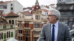 Llamazares dimite como diputado y no será candidato de IU en