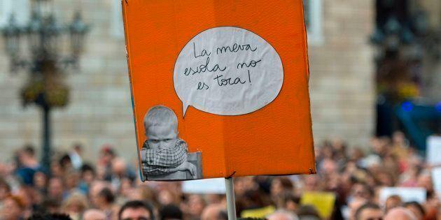 VOTA: ¿Se debe incluir la opción de estudiar en castellano en los colegios de