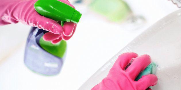 Los productos de limpieza o los perfumes contaminan casi tanto como los vehículos de