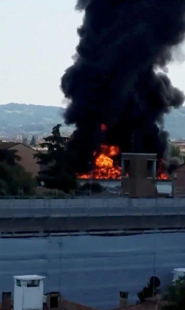 Un muerto y 60 heridos en una explosión en