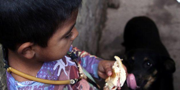 Un niño en el municipio argentino de