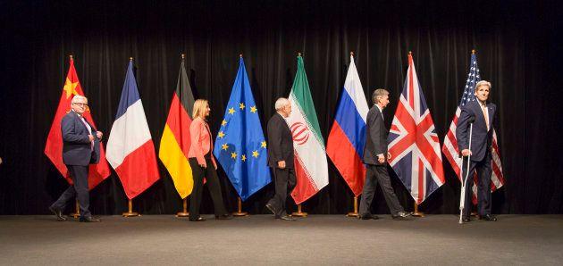 Los representantes de Alemania, la UE, Irán, Reino Unido y EEUU, en Viena, a punto de posar para la foto...