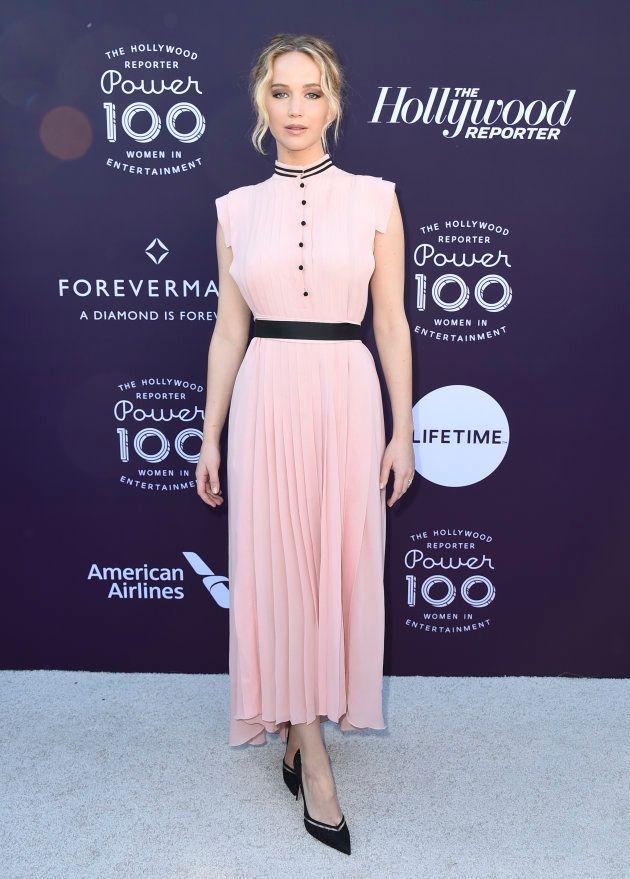La actriz en la alfombra roja del Women in Entertainment Breakfast de Hollywood