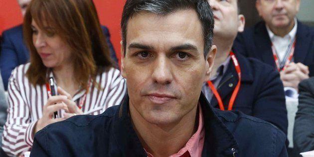 Pedro Sánchez pide a los cuadros del PSOE secundar la huelga feminista del 8 de