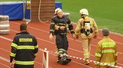 Los bomberos tienen sus propias Olimpiadas, y son mucho más locas de lo que