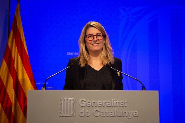 La portavoz del Govern, Elsa Artadi, durante una rueda de prensa en la