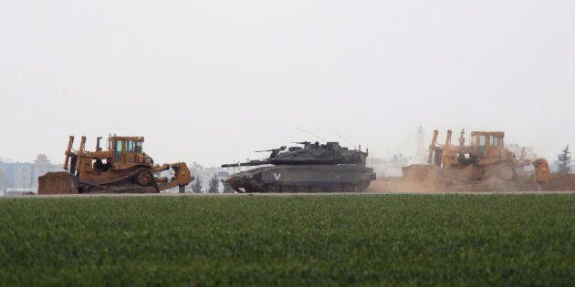 Israel bombardea Gaza en una de las mayores operaciones de los últimos