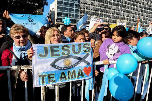 Marcha en contra de la legalización del aborto en