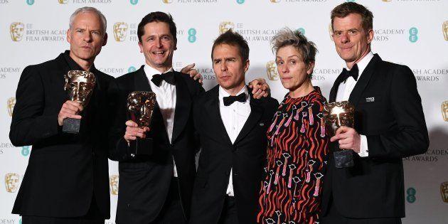 El equipo de 'Tres anuncios en las afueras', de izquierda a derecha: el director Martin McDonagh, el...