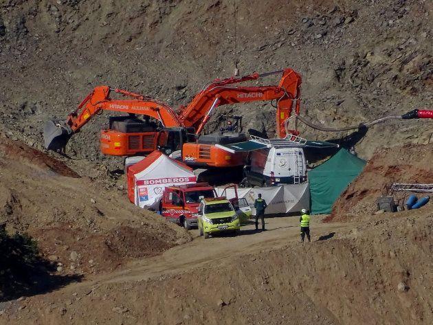 Los mineros entran al túnel para rescatar a