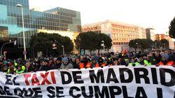 Taxistas vuelven a cortar la M-40 a la altura de IFEMA en la cuarta jornada de