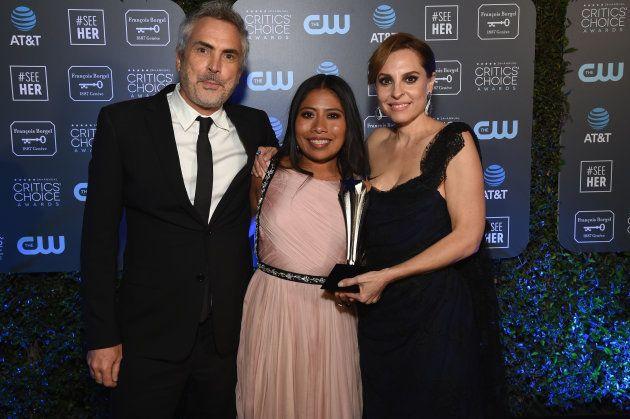 Alfonso Cuarón, Yalitza Aparicio y Marina De Tavira. Foto: Michael