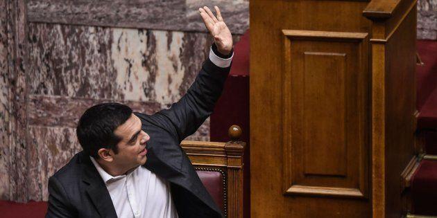 Tsipras durante la