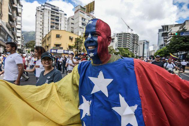 Manifestante opuesto el gobierno de Nicolás Maduro, 23 de enero de 2019. Foto: Roman Camacho/SOPA Images/LightRocket...