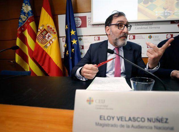 El magistrado de la Audiencia Nacional Eloy Velasco ha asegurado hoy en València que él le hubiese aplicado...