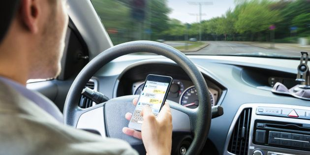 La DGT estudia que los conductores paguen los daños en un accidente por el uso del
