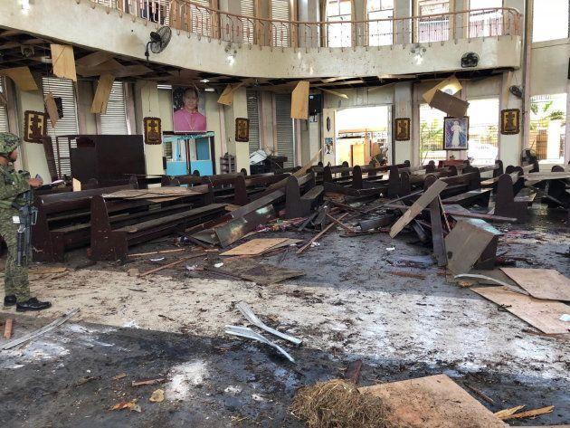 Interior de la catedral que ha sufrido el atentado en