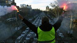 Los taxistas se plantan frente a Génova y el PP dice que les