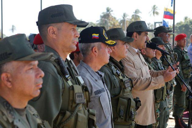 Maduro junto al
