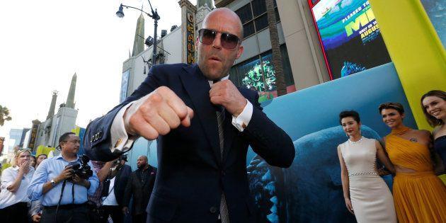 Jason Statham posa en el estreno de 'Megalodón', el 6 de agosto de
