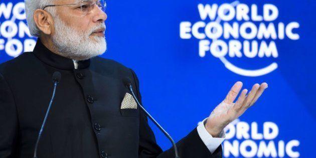 El primer ministro de la India, el ultranacionalista y populista Narendra Modi, en al World Economic...
