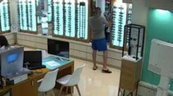 Así robó Ángel Boza, miembro de 'La Manada', unas gafas de una óptica de