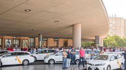 Los taxistas andaluces quieren cobrar por plaza como los