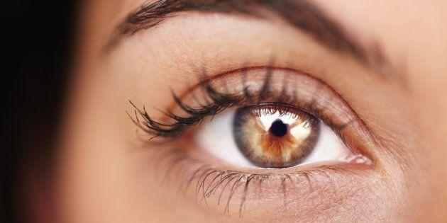 ¿Alguna vez has tenido un molesto tic en el ojo? Te explicamos por