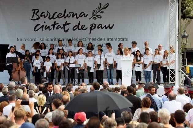 La periodista Gemma Nierga presenta al coro del conservatorio municipal de Barcelona, que ha actuado...