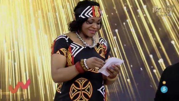Cynthia recibe un sobre en 'Viva la vida' con una supuesta carta de su