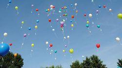 Un globo se lleva una joya para la reina de las fiestas de