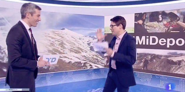 Arsenio Cañada y Oriol Nolis, presentadores del Telediario Fin de Semana de