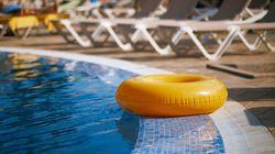 Una mujer denuncia haber sido expulsada de una piscina de Alicante por llevar