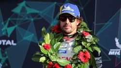 Alonso, descalificado tras ganar en